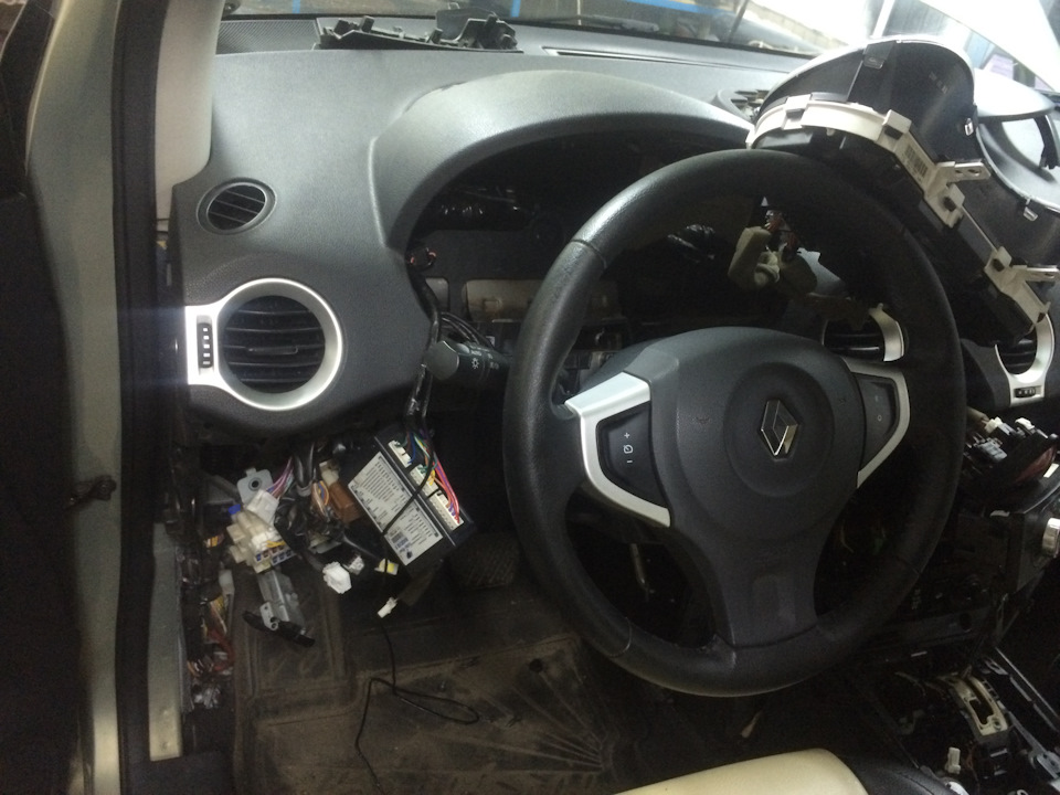 """Установка Спутниковой Gsm сигнализации Zont 700m - logbook Renault Koleos """"Lexus для Бедных"""" DRIVE2"""