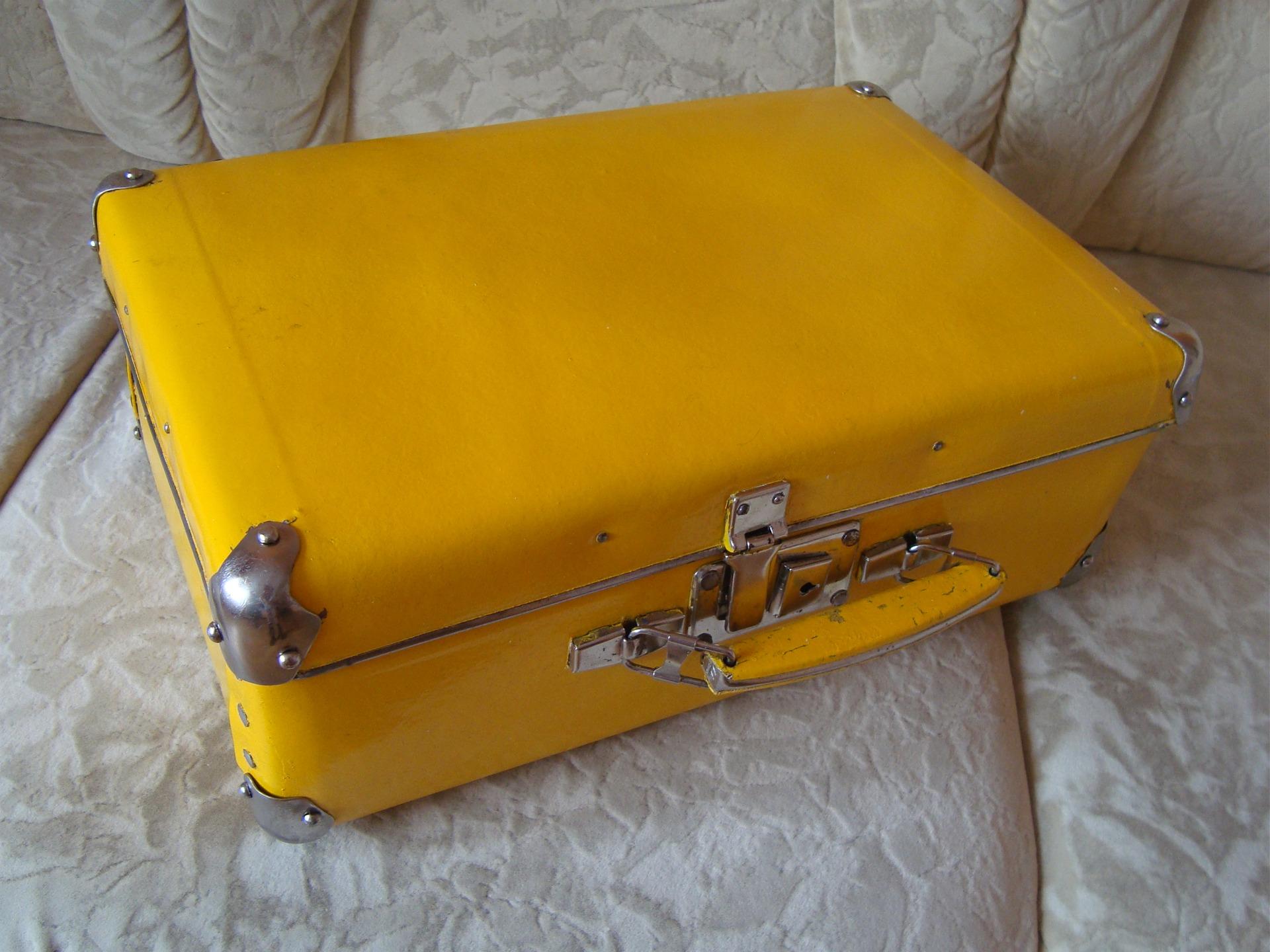 Своими руками желтые чемоданы 62