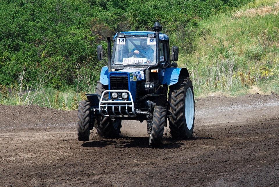 сами фото наших тракторов или однодневный
