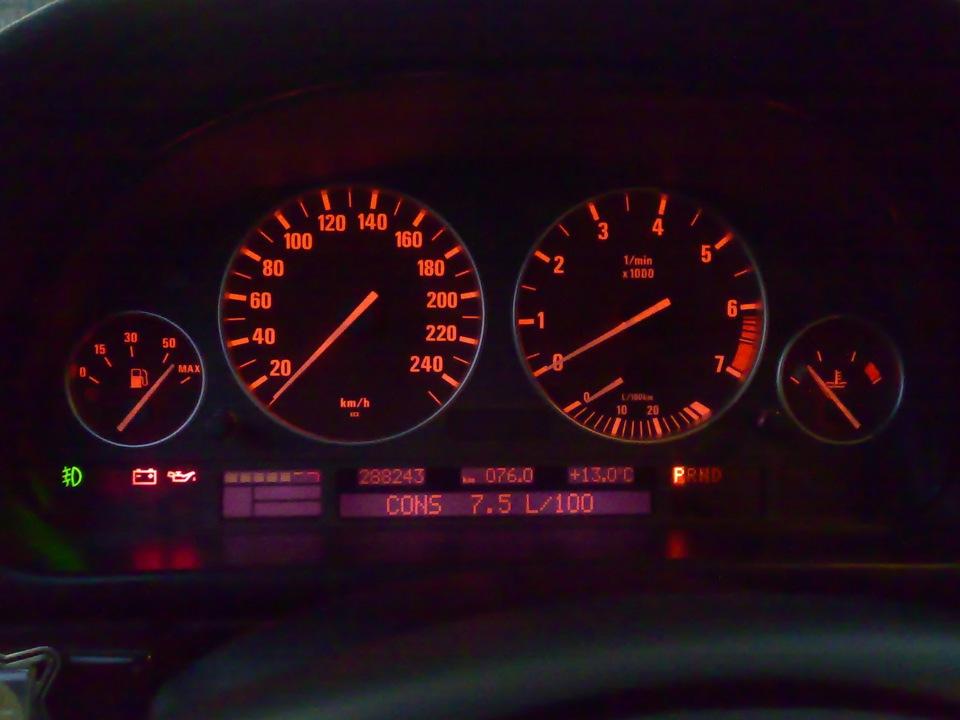 панель приборов на BMW x5 e53
