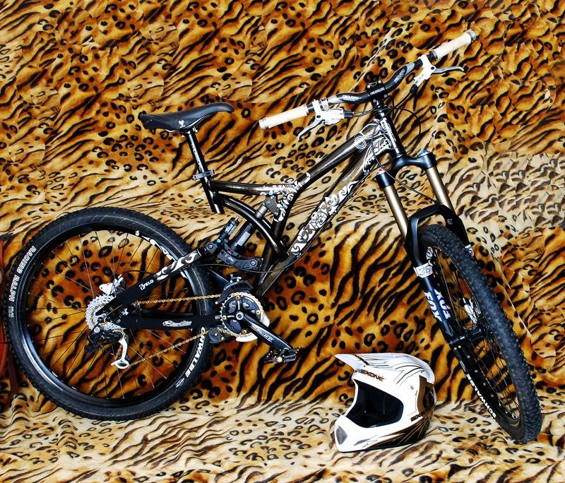 """роспись велосипеда в стиле татуировок маори - Сообщество """"Аэрография"""" на DRIVE2"""