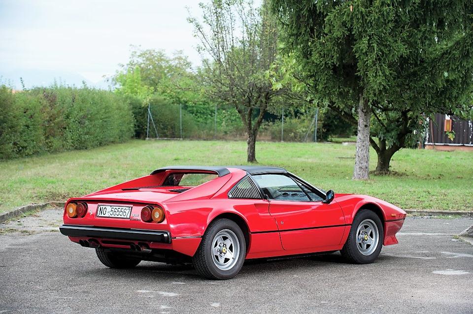 Вот такую Ferrari в тот погожий вечер раздавило Молотом… Это даже и нечестно ))