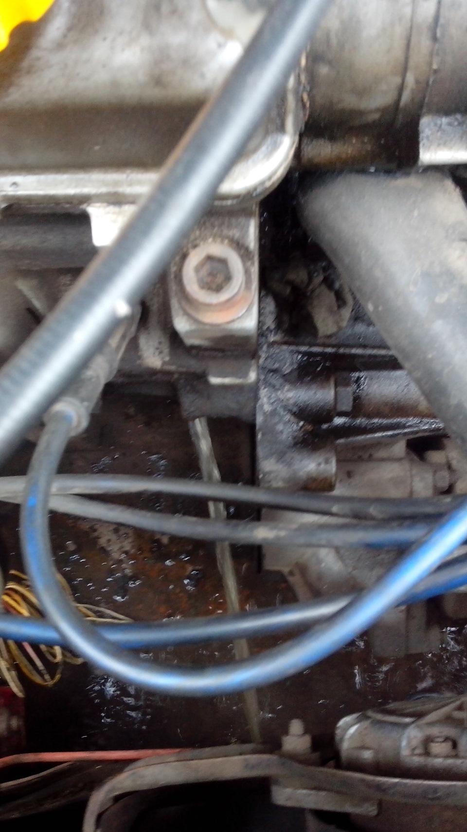 Почему выкидывает тосол из радиатора ваз-2107