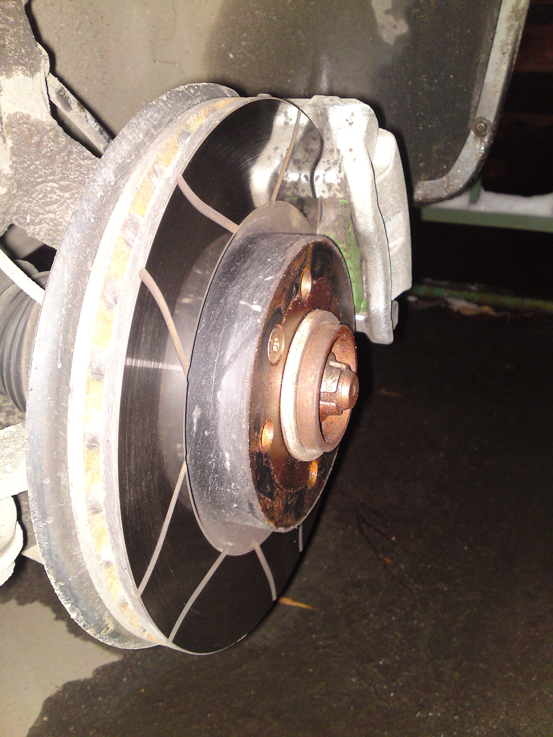 Замена тормозных дисков рено логан