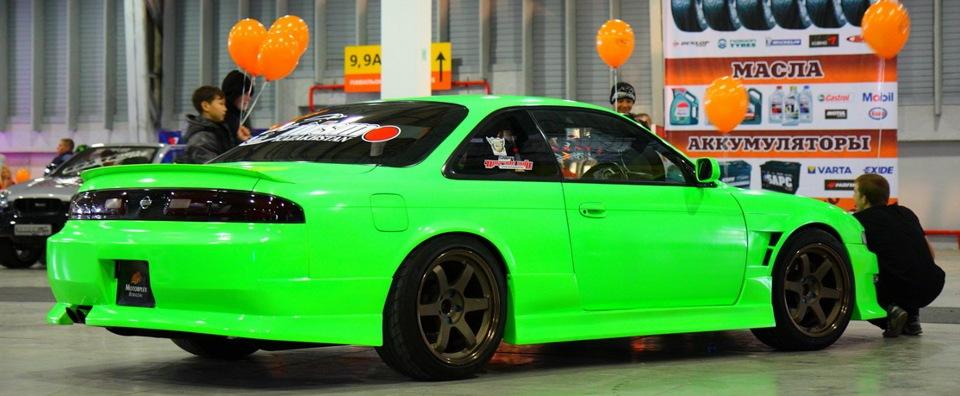Цвет ядовито зелёный