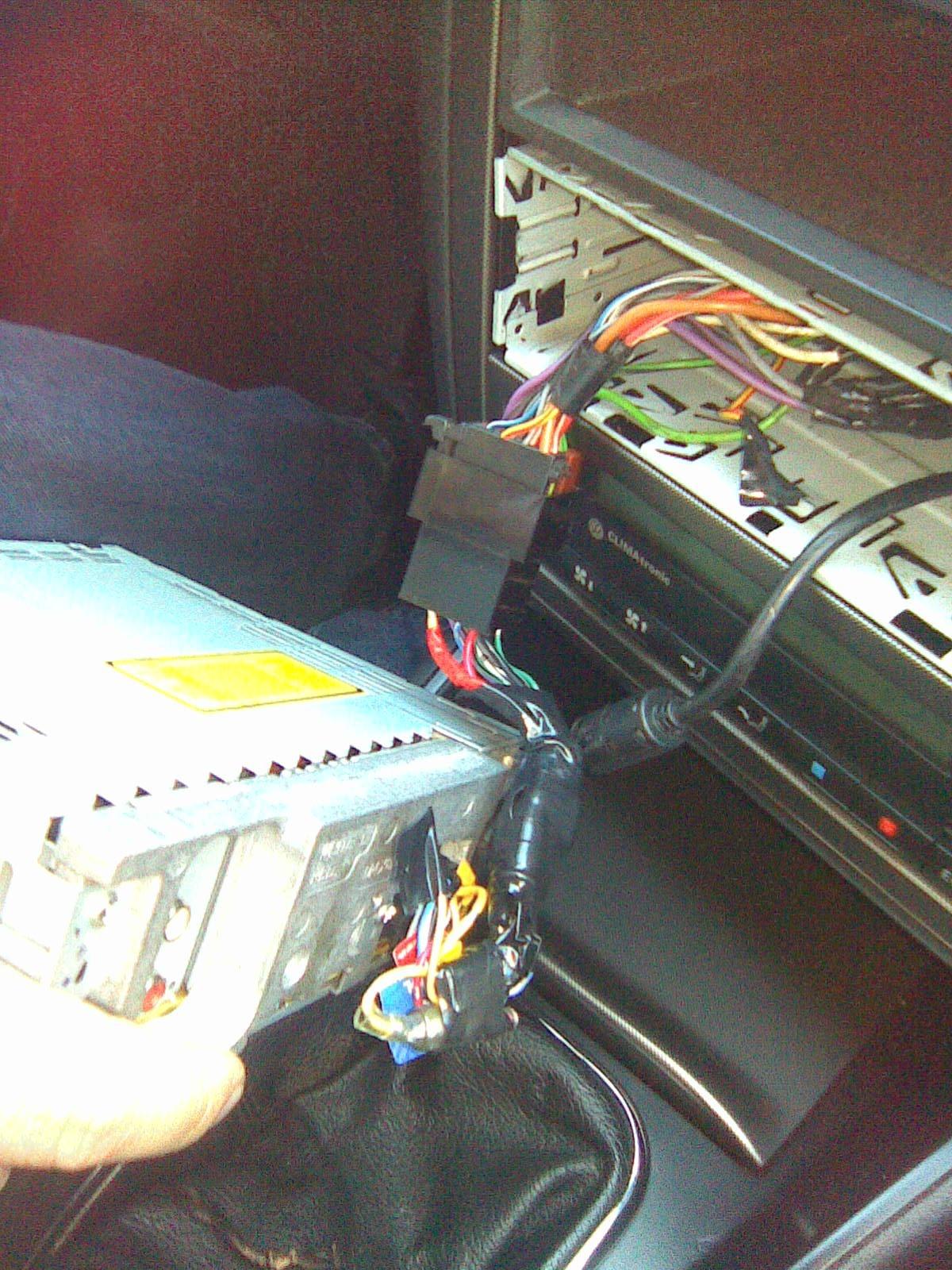 Пропадает радио при запуске двигателя