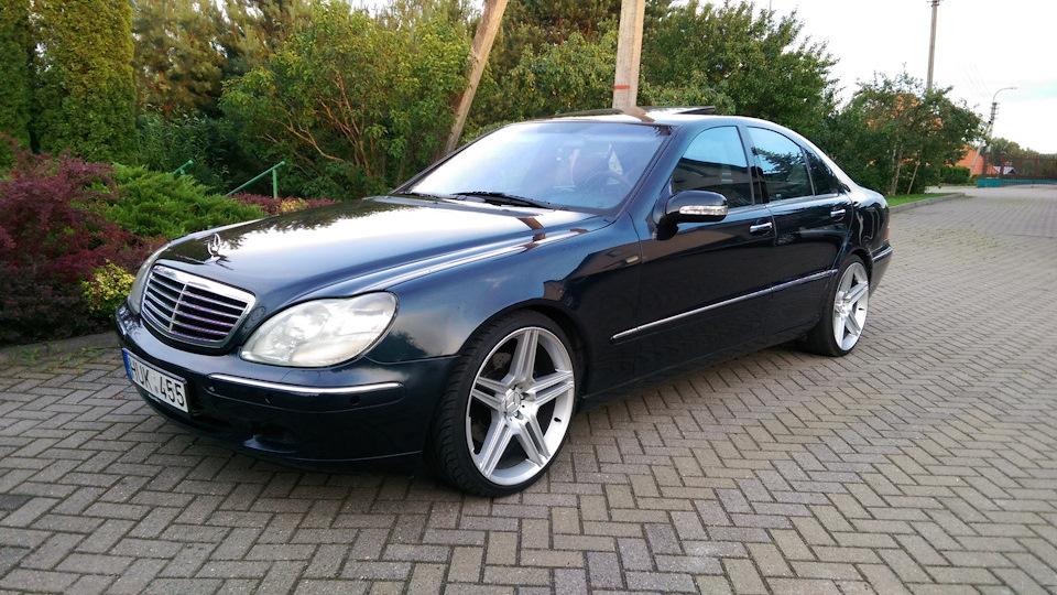 Mercedes Benz S Class Bagged VIP W220
