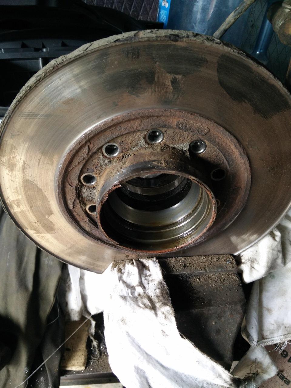 Замена тормозных дисков на форд транзит своими руками