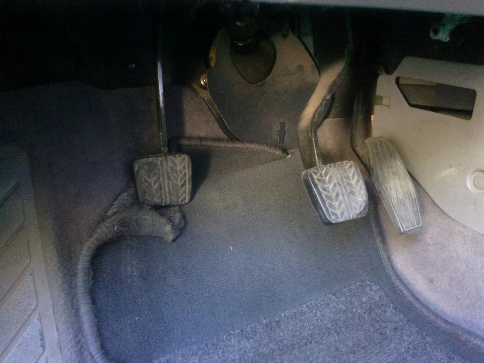 Фото №2 - провалилась педаль сцепления ВАЗ 2110 тросик целый
