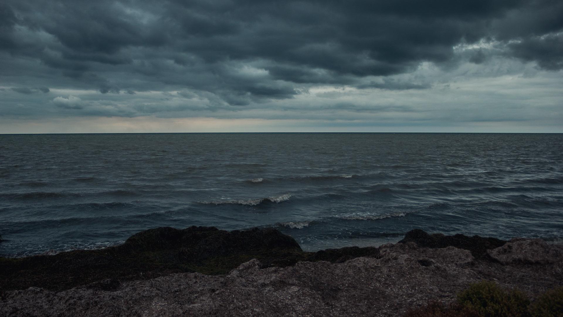 имеет море с плохой погодой картинка группы обходит