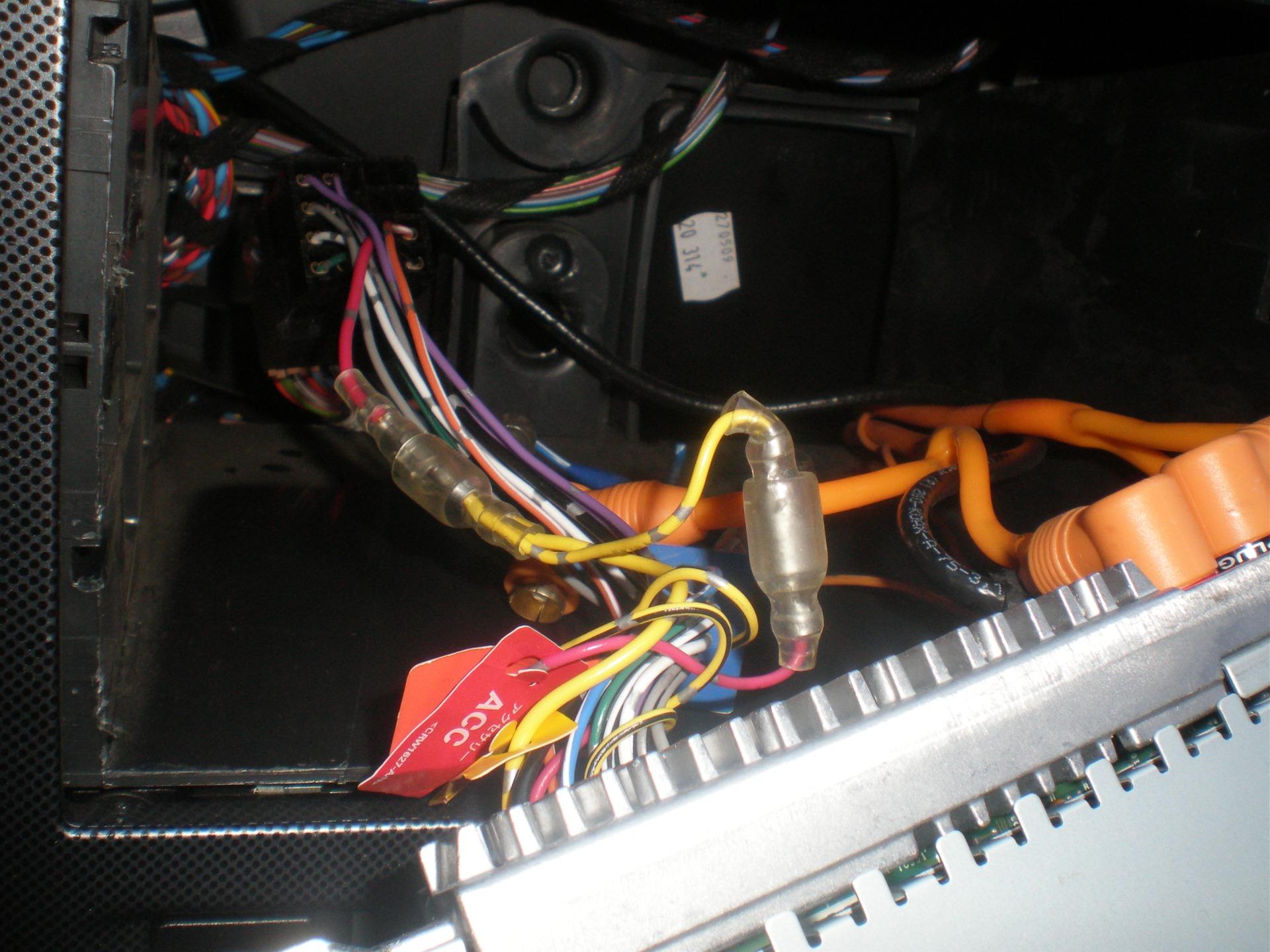 провод rem на магнитоле skoda
