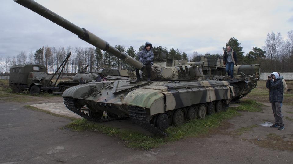 Полазили по танкам…