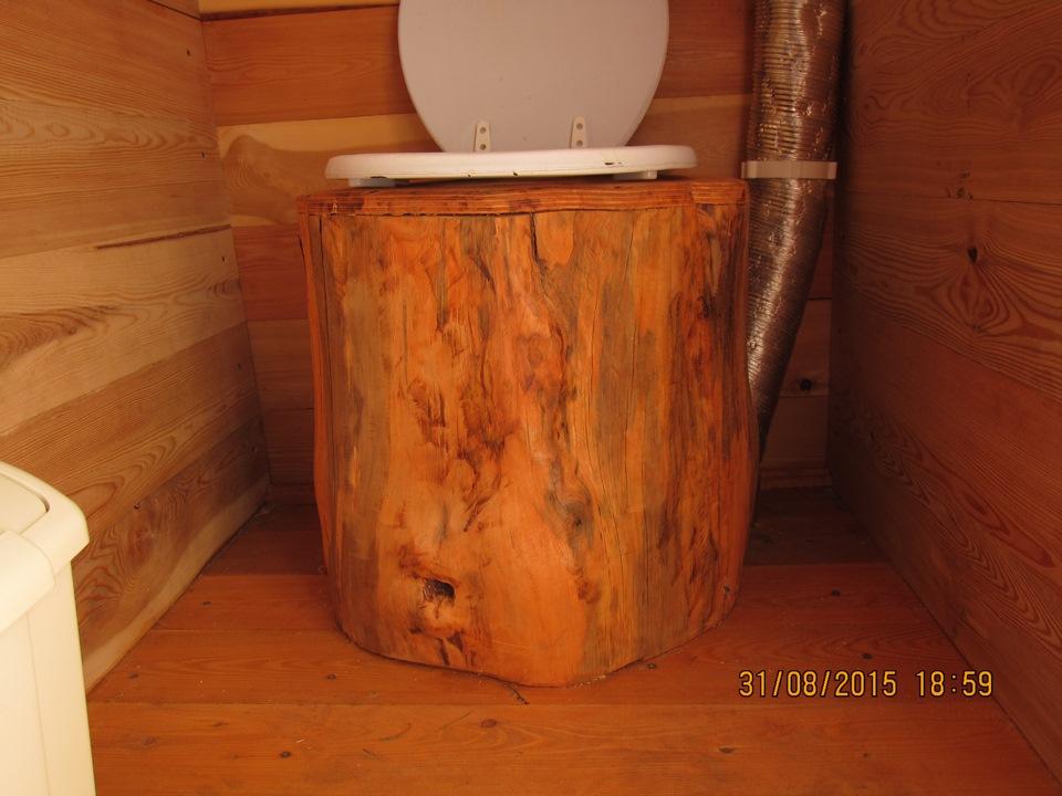 Как утеплить дачный туалет
