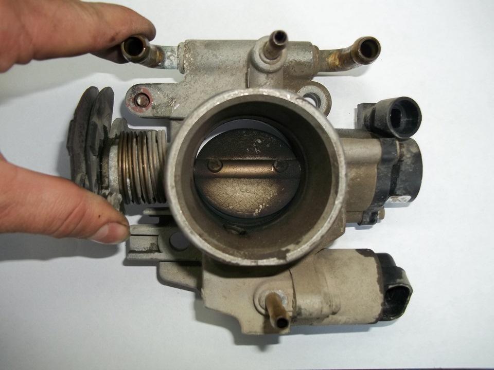 Фото №41 - как промыть дроссельную заслонку на ВАЗ 2110