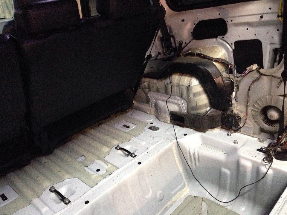 Покраска багажника фф1 Замена полуоси субару
