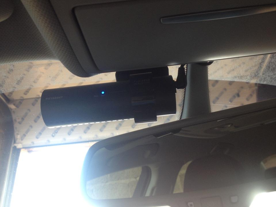 подключение видеорегистратора к плафону на audi