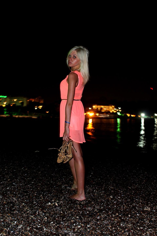 Фото блондинок без купальников