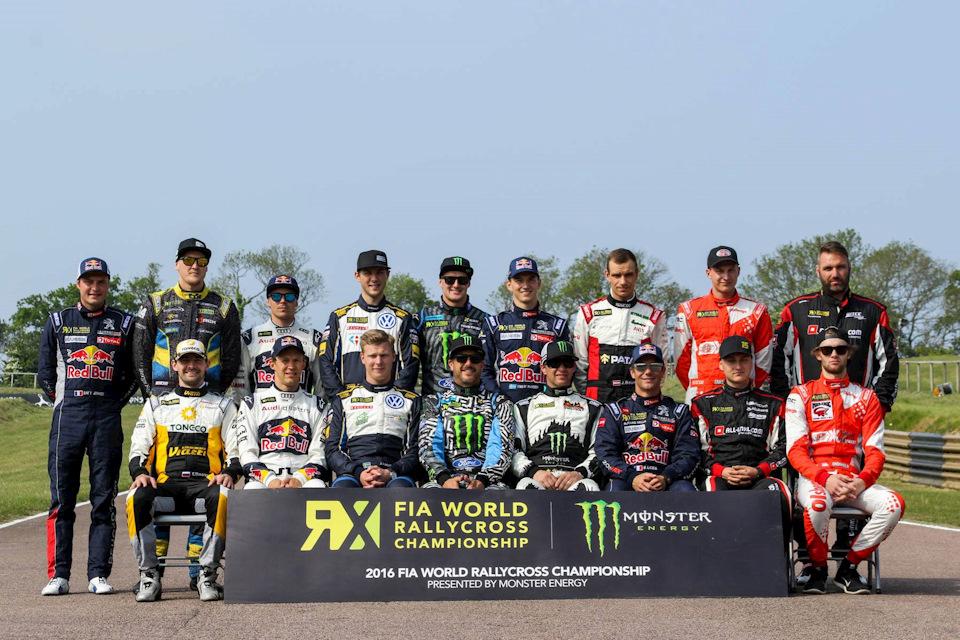 Участники британского этапа чемпионата мира по ралли-кроссу (он проводится только в классе Supercar). Тимур Тимерзянов — сидит первый слева