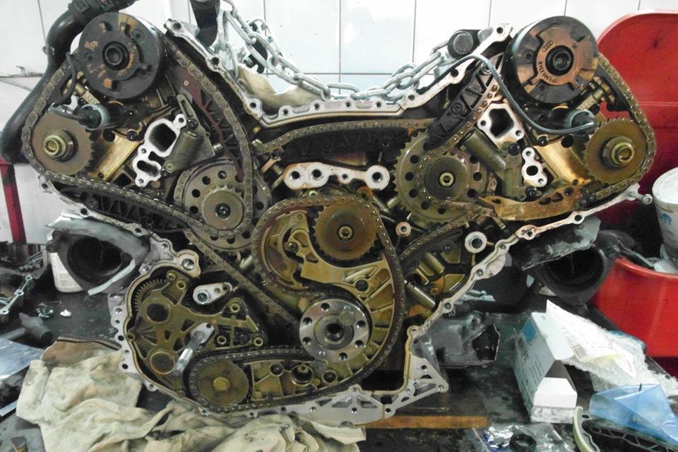 А вот и сам мотор.