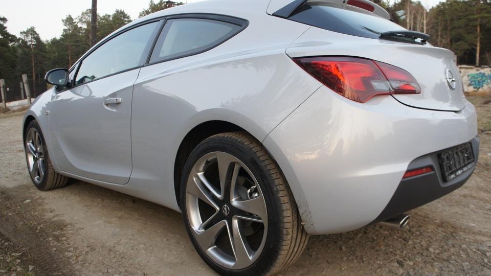 Цвет машины белый металлик