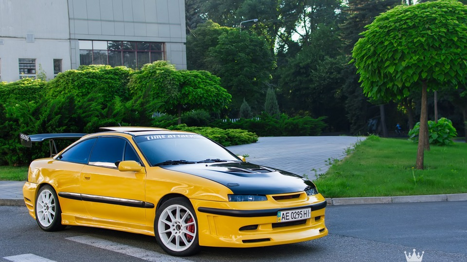opel calibra yellow car 3 2 turbo owner review drive2. Black Bedroom Furniture Sets. Home Design Ideas