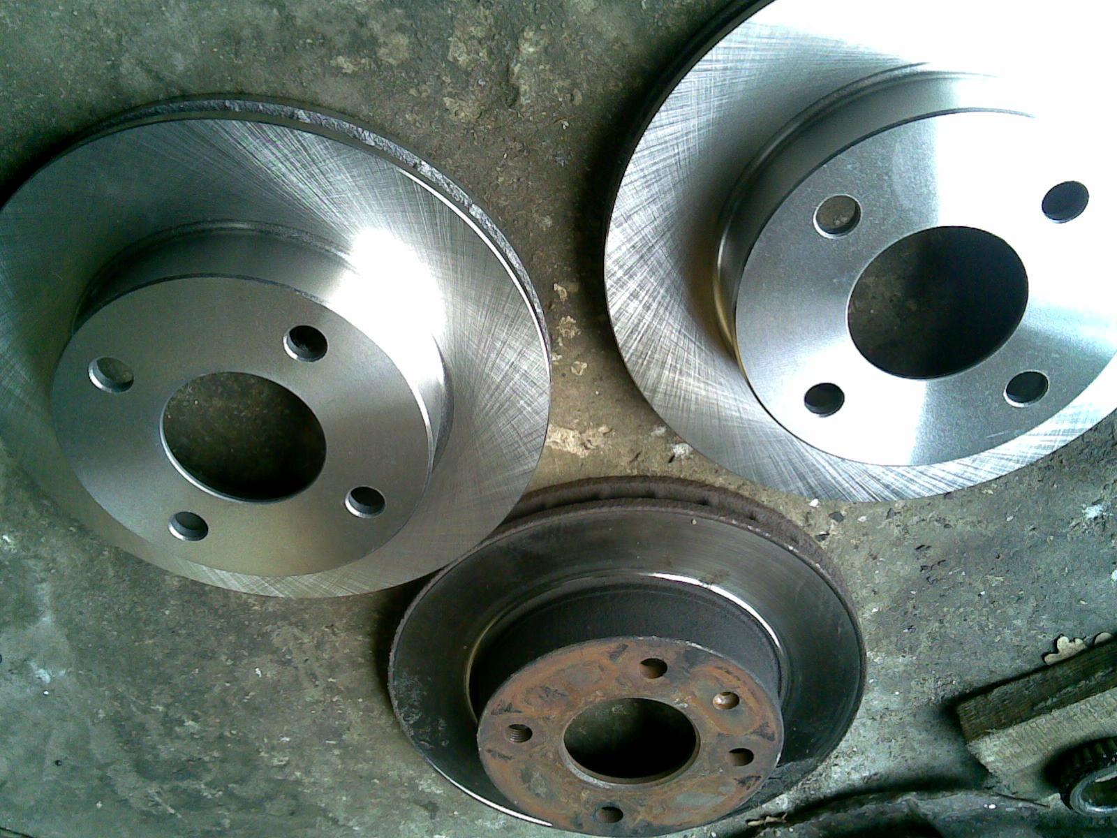 Ford Escort | Замена задних тормозных колодок на ...