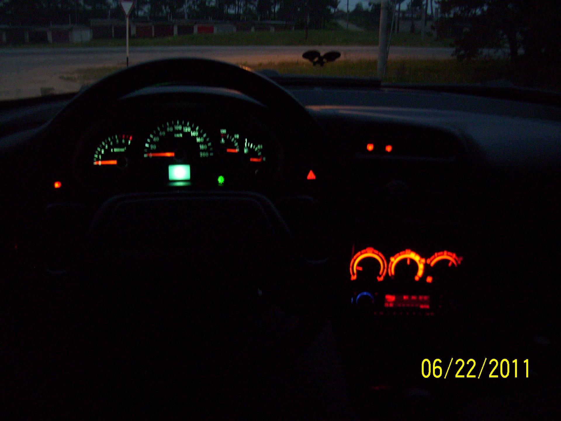 Фото №28 - ВАЗ 2110 датчик уровня топлива не работает
