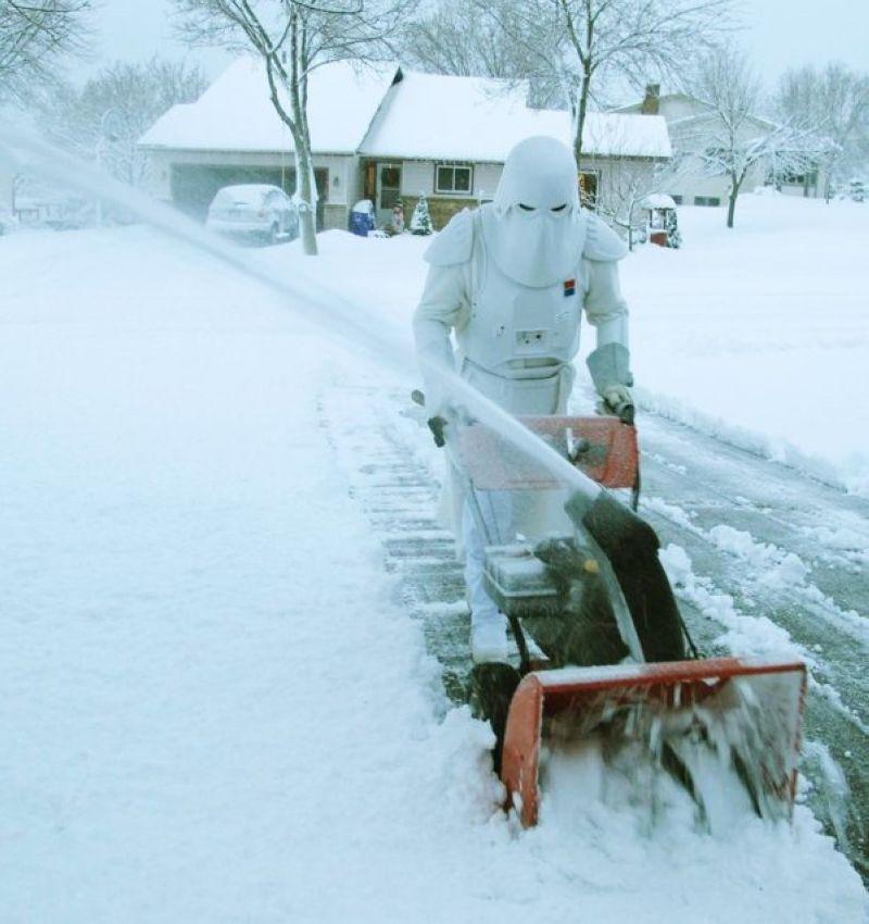 Прикольные открытки с уборкой снега красавица, желаю