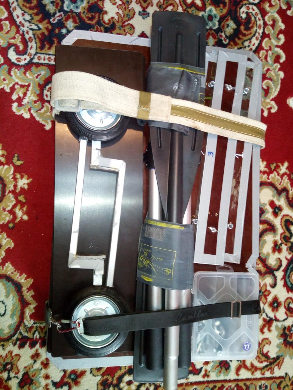 Надувная лодка RUSH 2800, ровный пол, транцевые колеса и аварийная стремянка