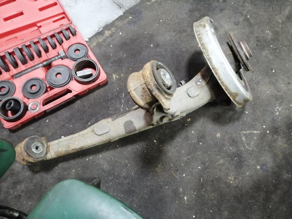 Замена задних сайлентблоков фольксваген транспортер форсунка 2 5 бензин транспортер