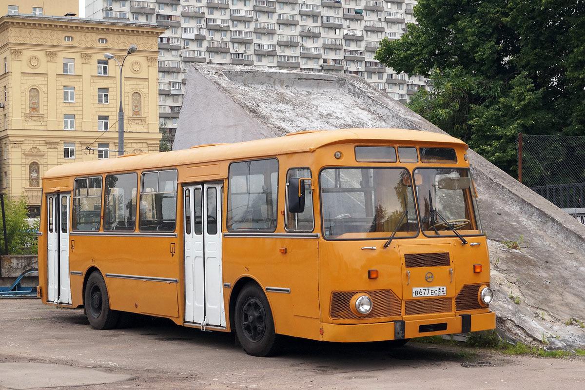 является картинки автобусов лиазов лет подряд гастрольном
