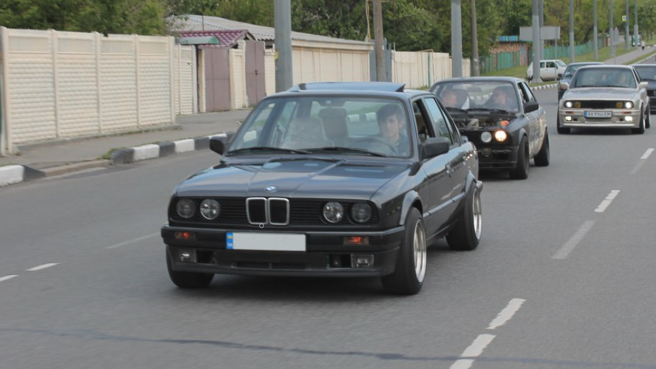 Bmw 3 Series 325 German Style Drive2