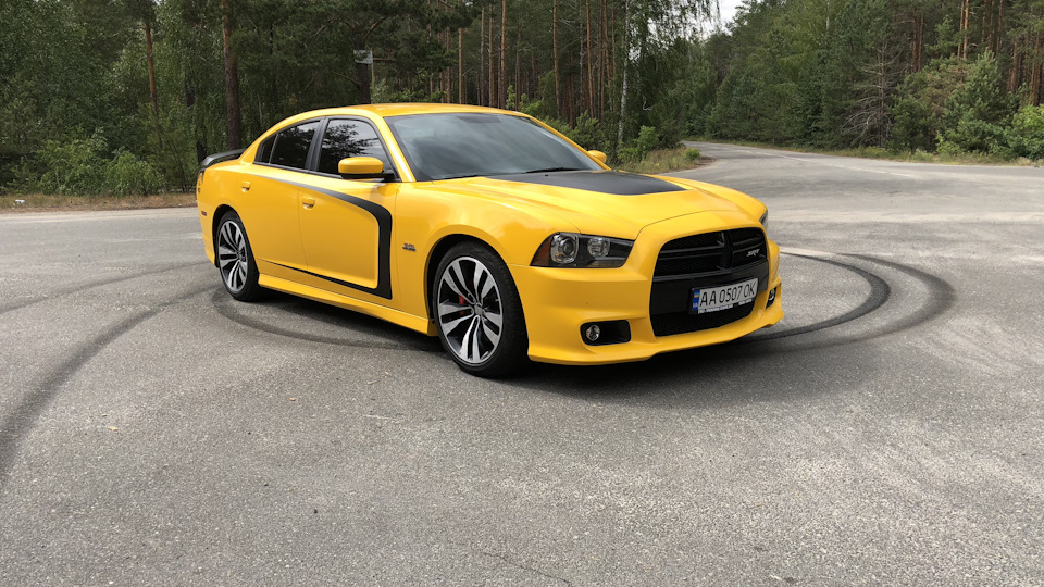 dodge charger 2012 srt8 hp