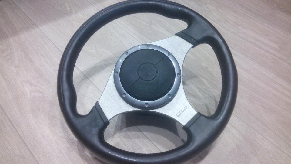 Как снять руль момо лансер 9