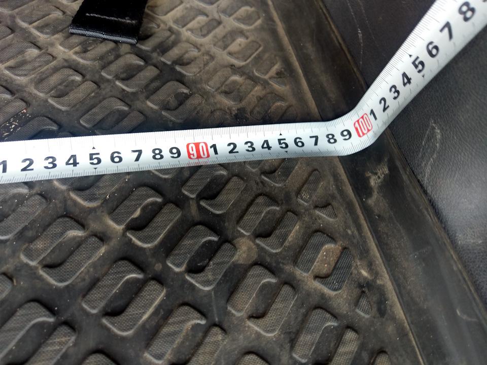 Сколько литров багажник рено дастер