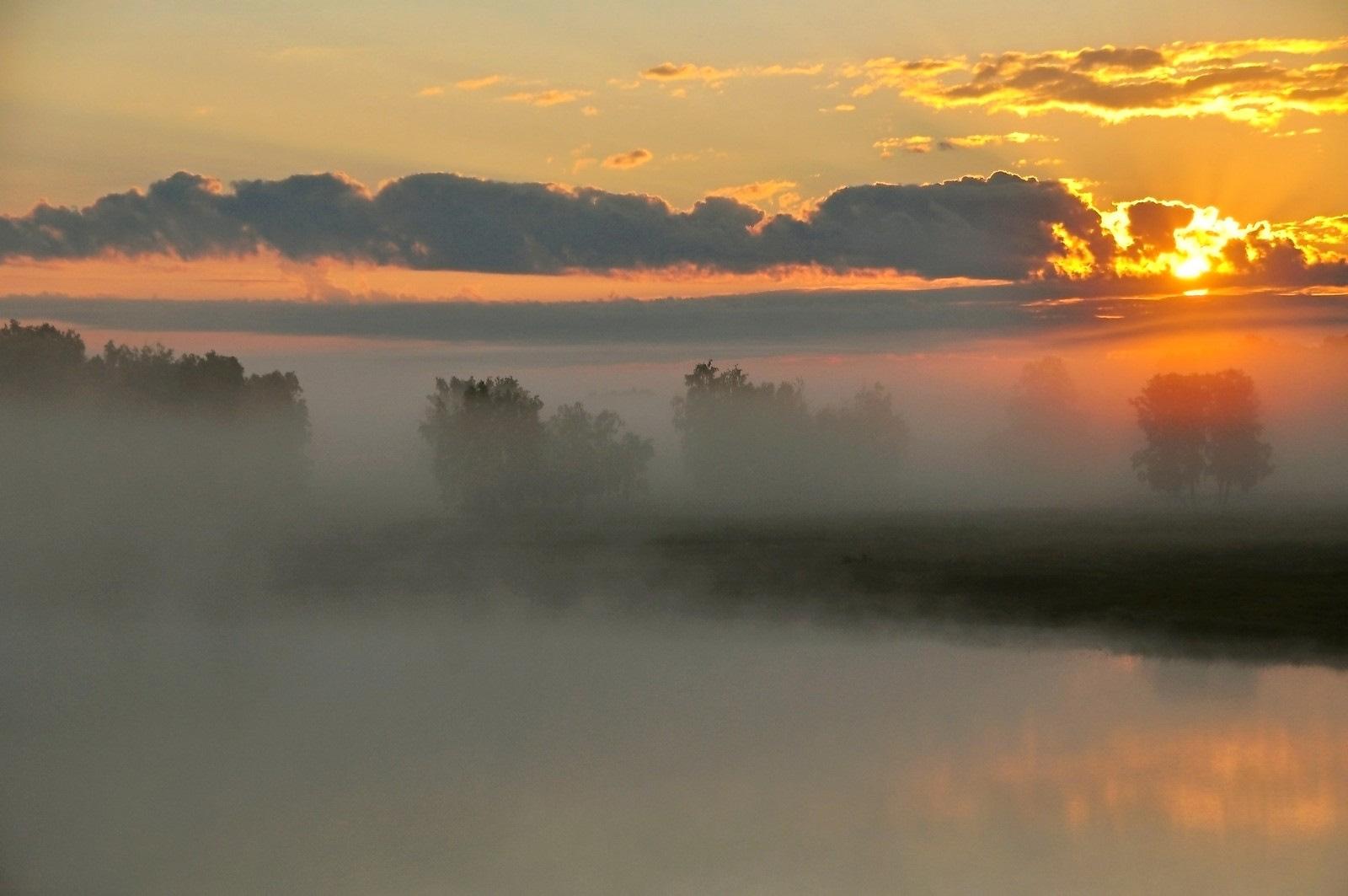 большей степени фото восхода солнца над ригой настоящему времени несколько