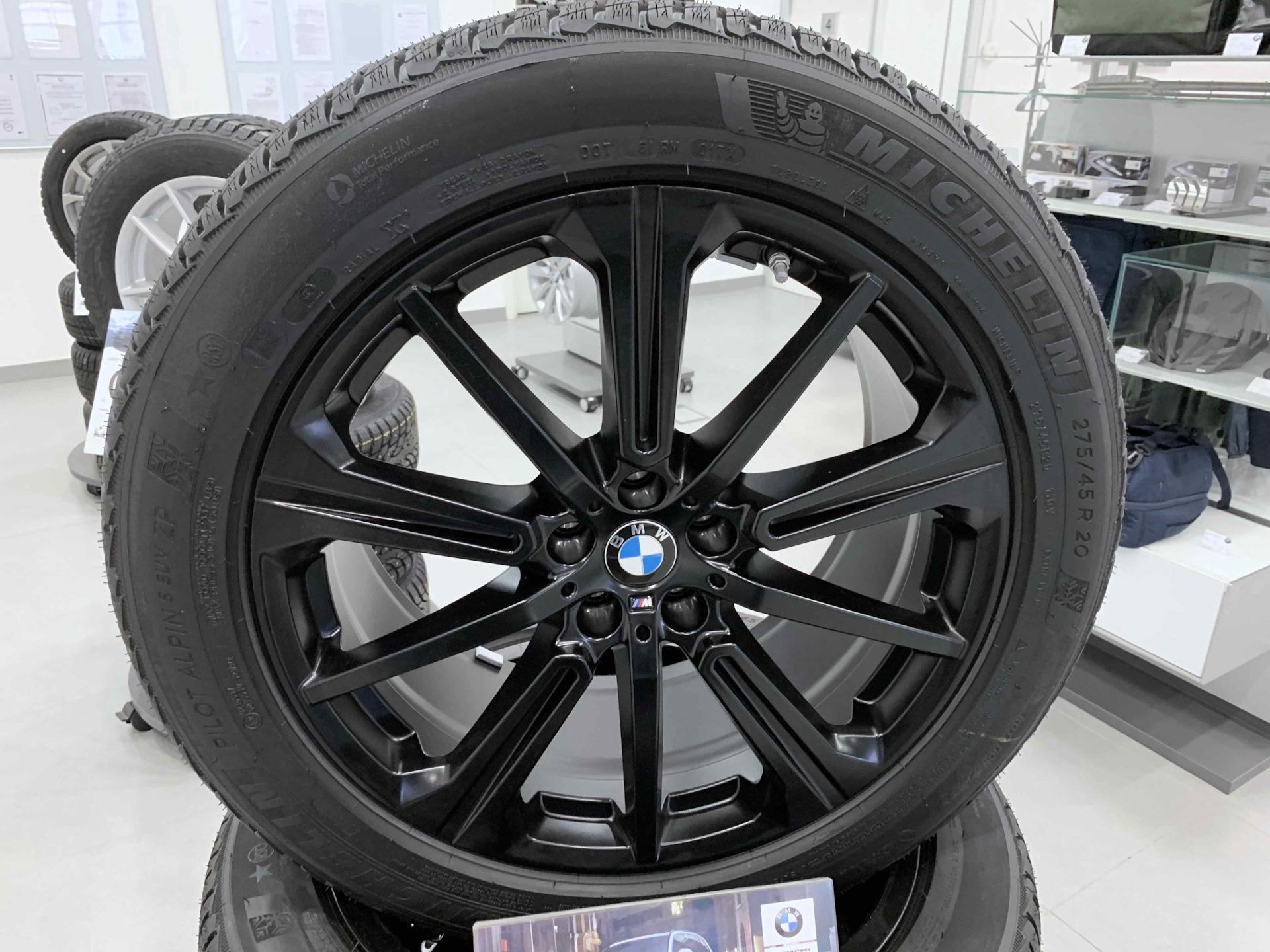 Колеса черные на БМВ Х5 Г05