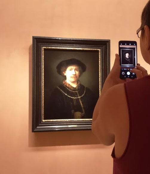 Как фотографировать картины в музее