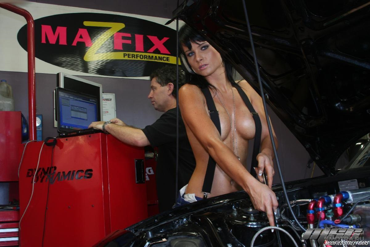 Girls auto clinic owner