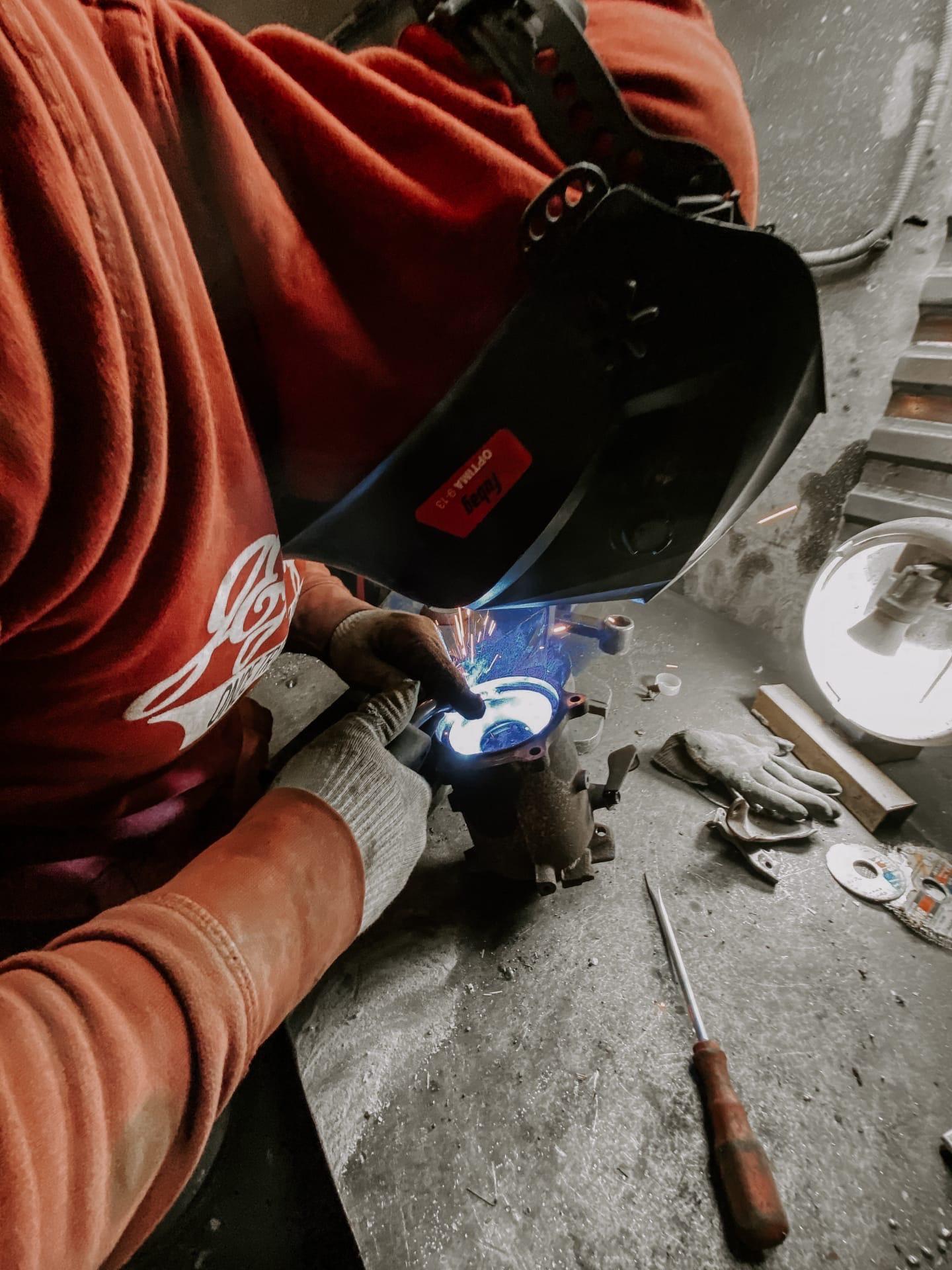 Процесс вваривания пламегасителя