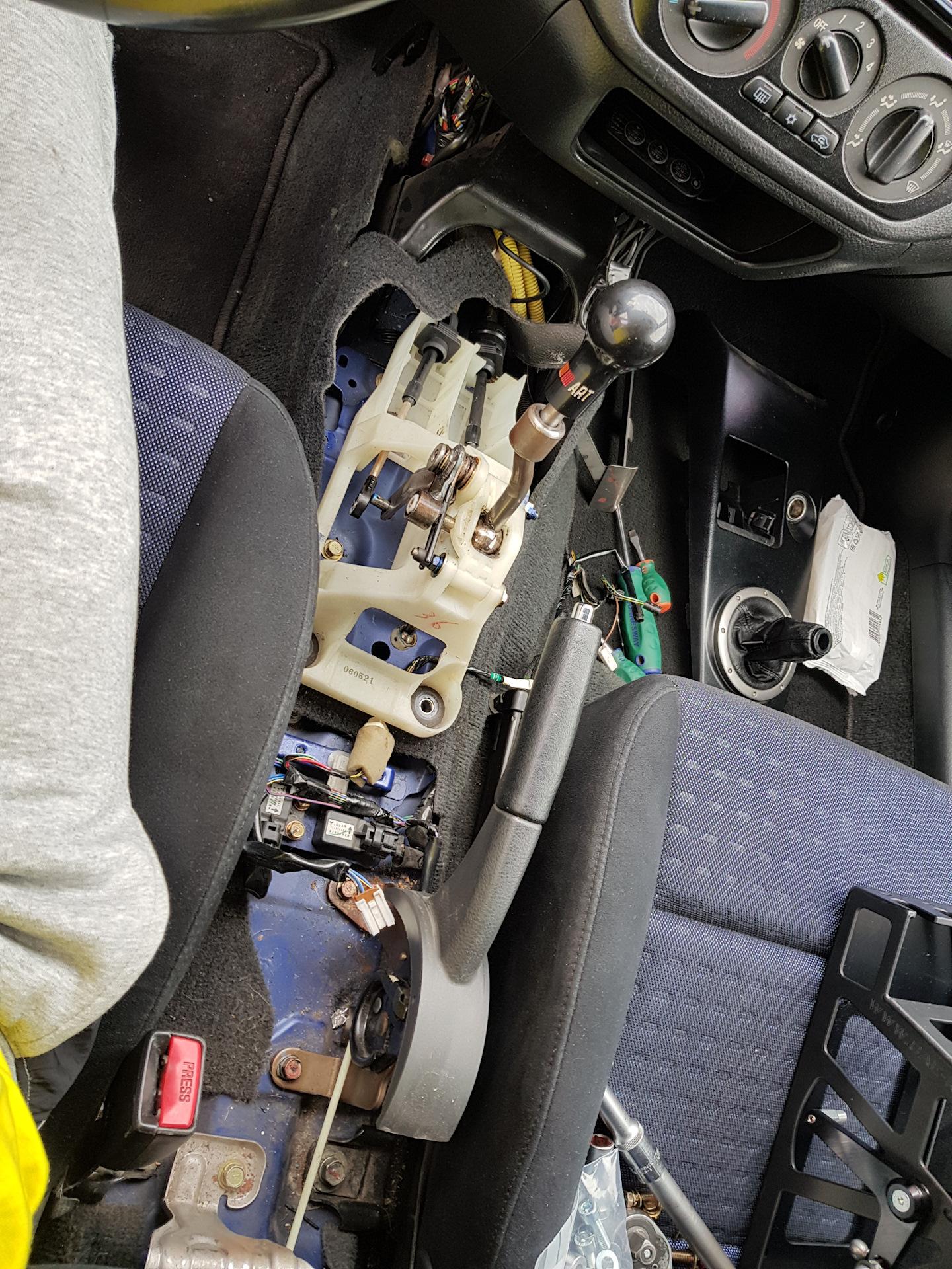 Шифтер CAE — Mitsubishi Lancer Evolution, 2 0 л , 2005 года