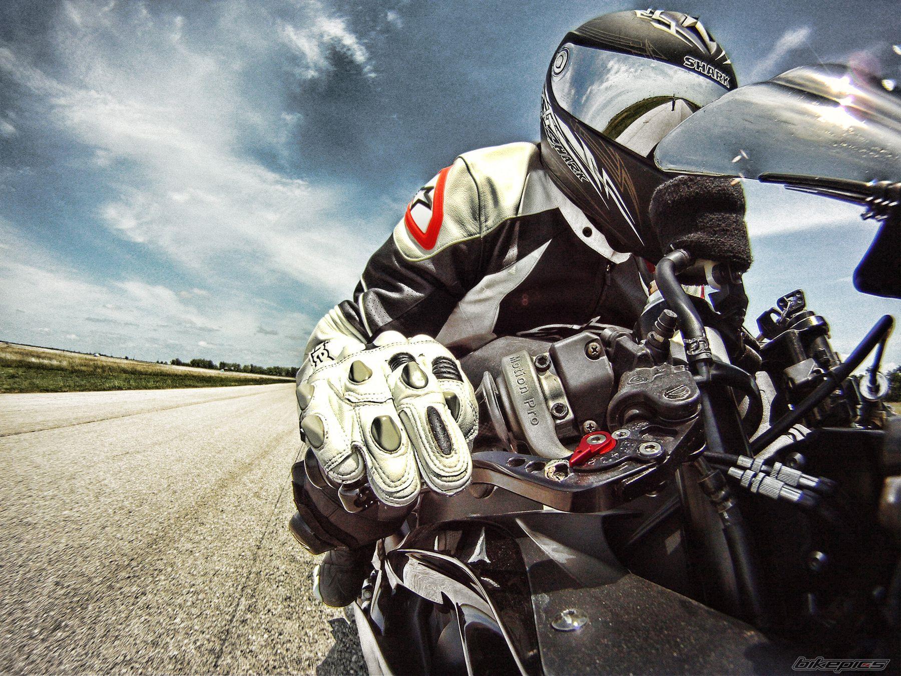 фото на день мотоциклов безопасности диктуют