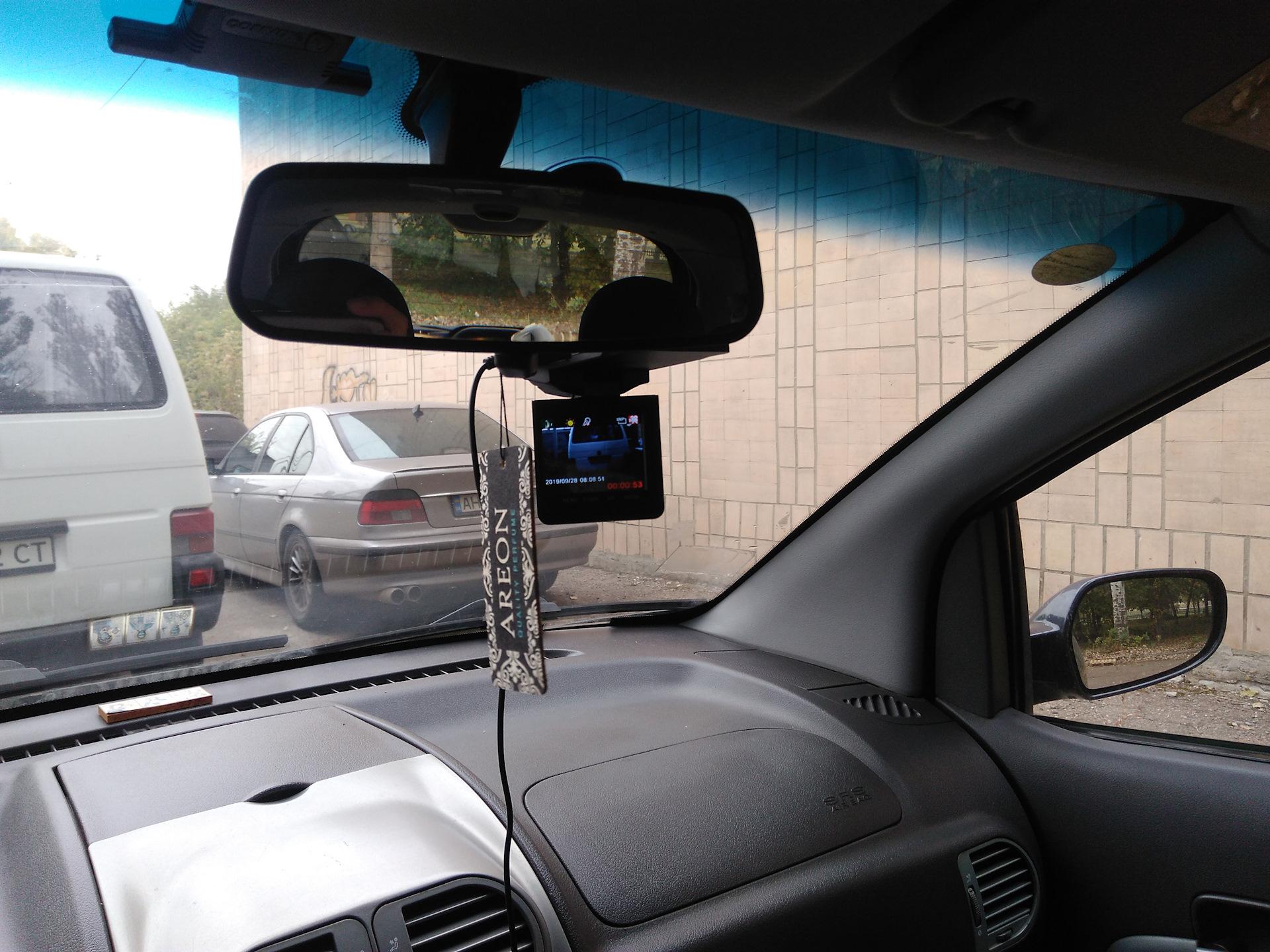 Как закрепить регистратор в авто купить видеорегистратор каркам автомобильный в спб