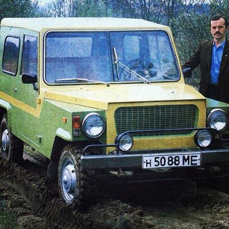 Автомобиль В.Безрукова (1984) – универсальный, заднеприводный автомобиль повышенной проходимости, сконструированный на базе узлов и агрегатов ЛуАЗ-969 (задний мост, колеса), УАЗ-469 (карданный вал, элементы подвески), ЗАЗ-968М (двигатель, коробка передач, электрооборудование), Москвич-412 (тормозная система) и других серийных автомобилей