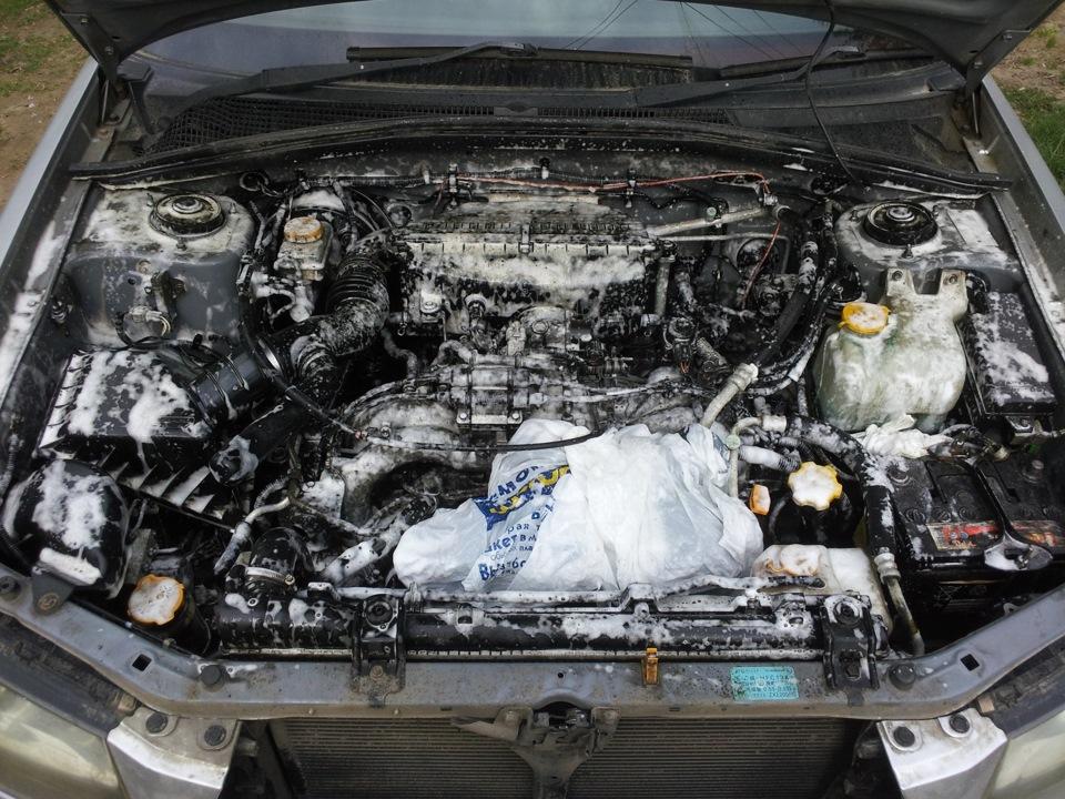 Как помыть моторный отсек автомобиля видео