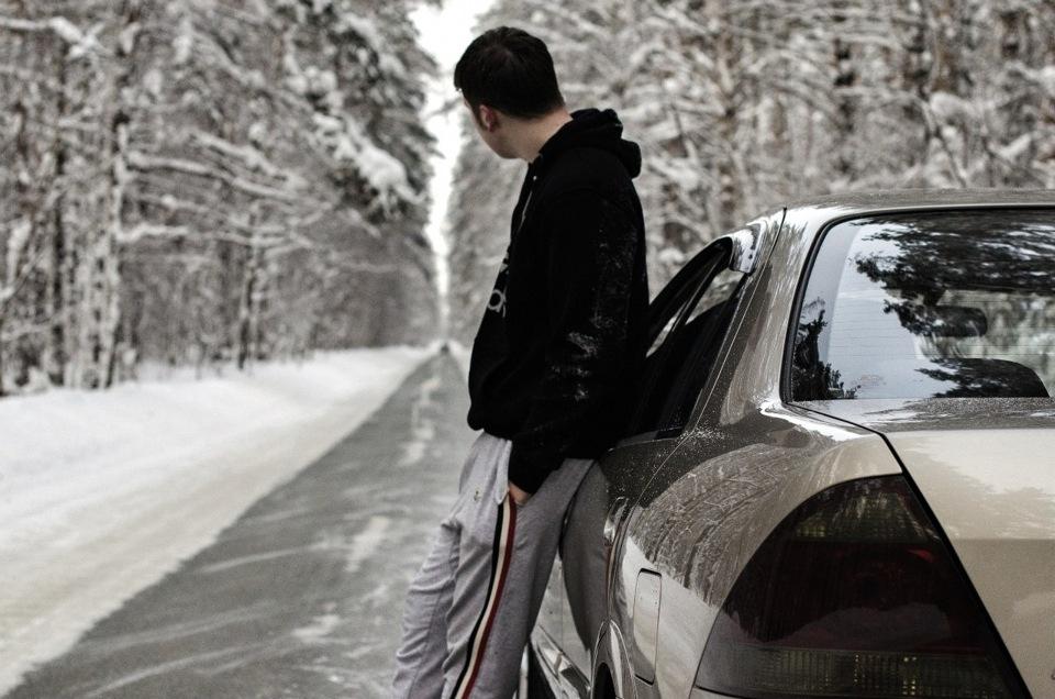 Фото мужчин со спины у машины