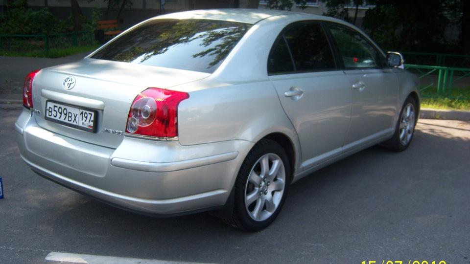тойота авенсис  2008