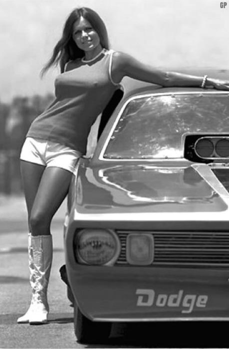 Vodi4ka › блог › девушки и машины винтаж