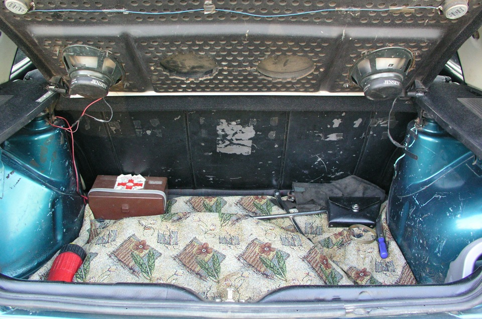 как собрать багажник в фольксваген джетта 2