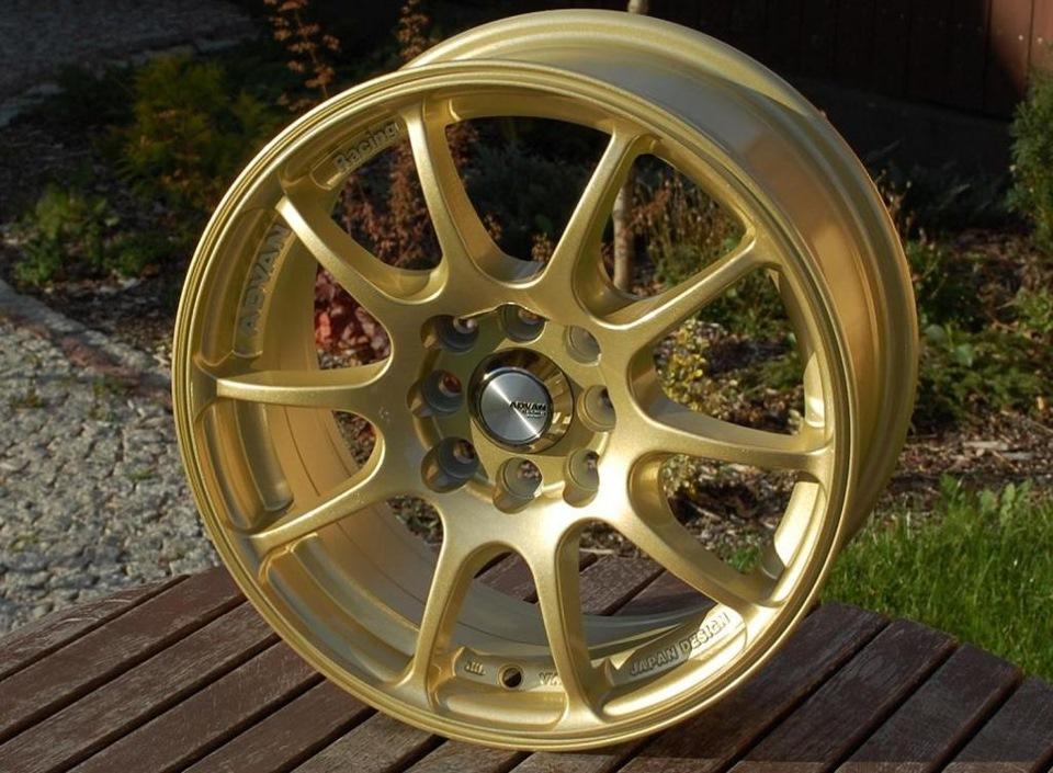 золотые диски на авто фото
